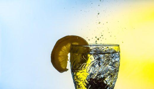 透明な飲み物の種類と原材料を調べてみた|ラテや紅茶、コーラにジュースがなぜ透明?