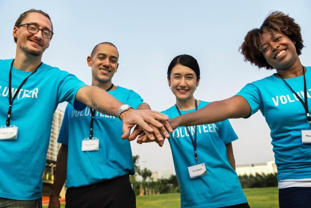 ボランティア活動の始め方|シニアがボランティアをしたい時のポイントを解説